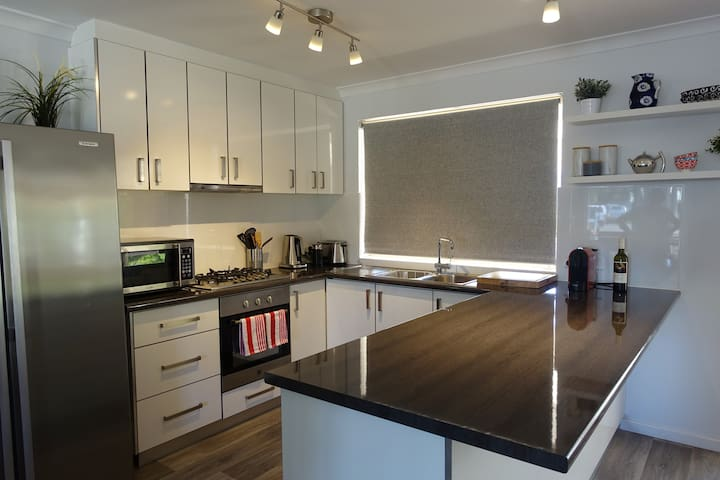 Perfect Beach House Busselton - ALL 5 star reviews