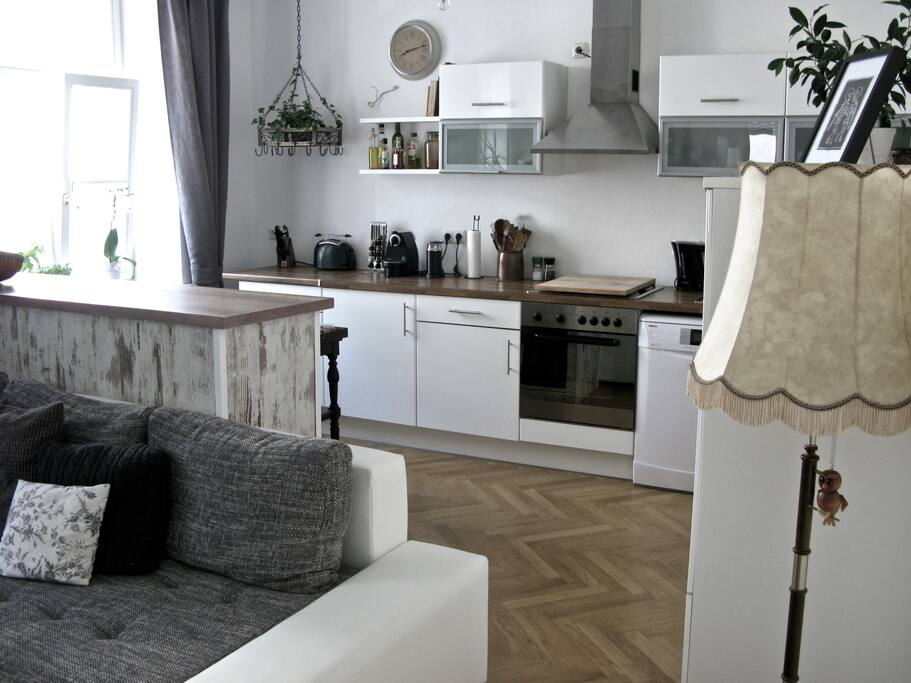 Küche // View to the kitchen