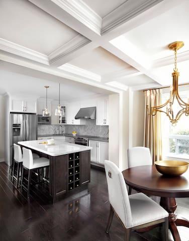 LUXURIOUS & COZY - 3BDR House by LUX Design! - Toronto - Casa