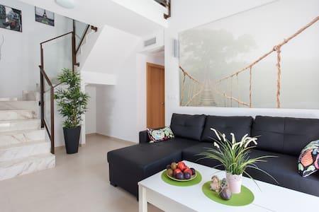 Новая Вилла,в прекрасном городе Gran Alacant - Casa