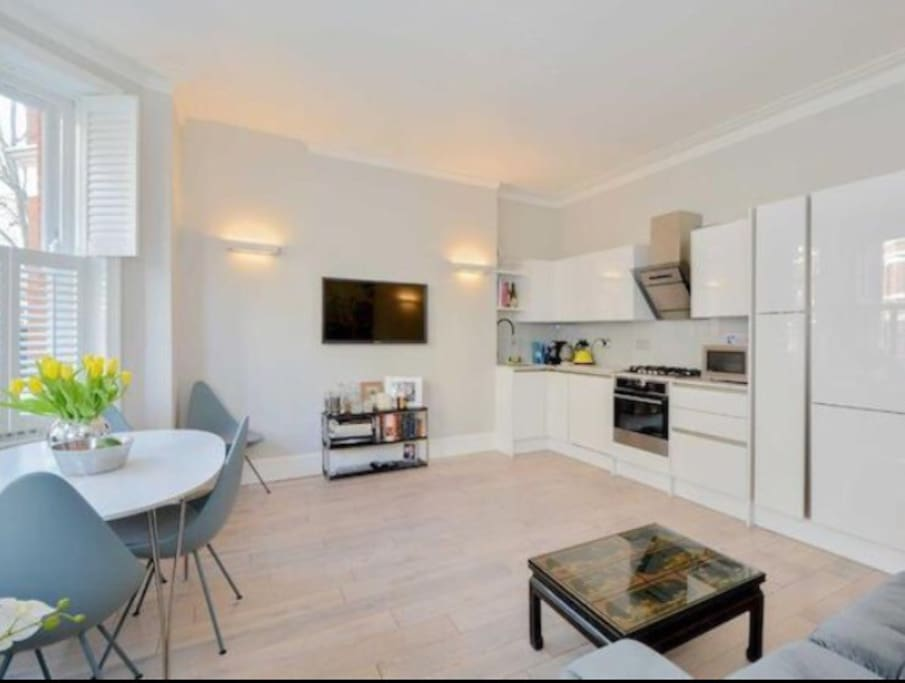 Central Modern 1 Bedroom Flat Flats For Rent In London