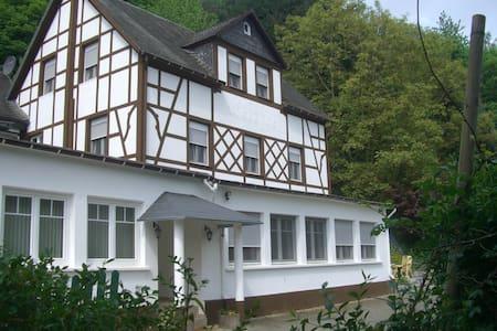 zeer ruim vakantiehuis Moezel - Traben-Trarbach