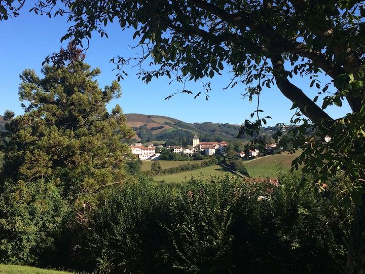 Maison Basque, belle vue sur le village