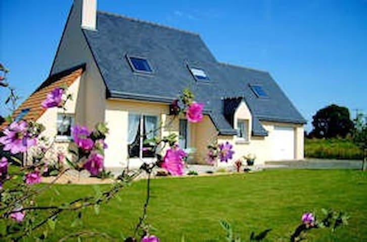 maison récente - Plouëc-du-Trieux - Huis