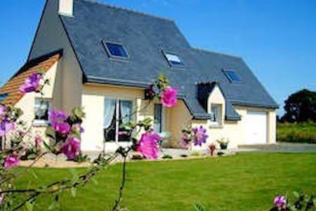 maison récente - Plouëc-du-Trieux - Casa