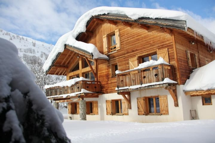 Alpine Chalet in VALLOIRE 3 rooms, sleeps 6/8