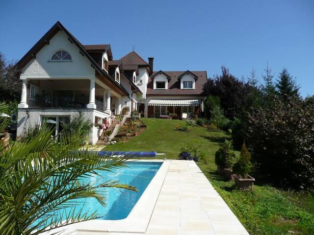 Propriété avec piscine - Charnay - Vila