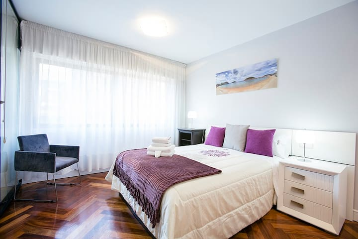 AVENIDA:Central, by the river, perfect for couples - Donostia - Apartment