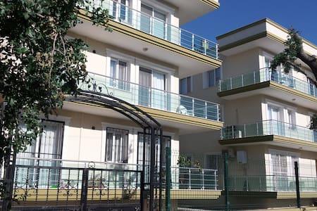 2bdr2bth flat 10min airport - izmir/menderes/gölcükler - Apartment - 1