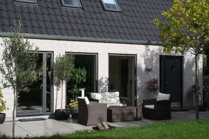 Modern house close to Copenhagen - Fredensborg - Rumah