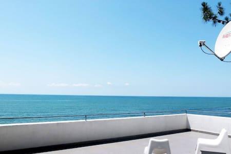 Вилла на берегу моря в Грузии - Shekvetili - Dům