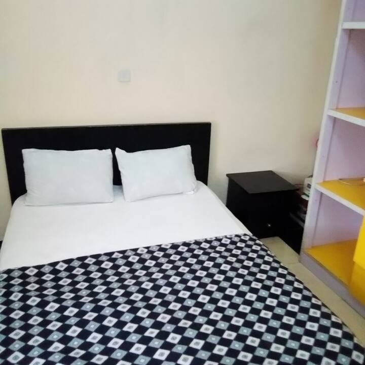 Lekki Studio 4 with free unlimited wifi and dstv