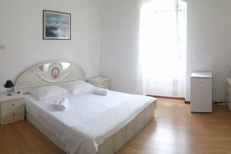 Rooms in Sutivan - Sutivan - Haus