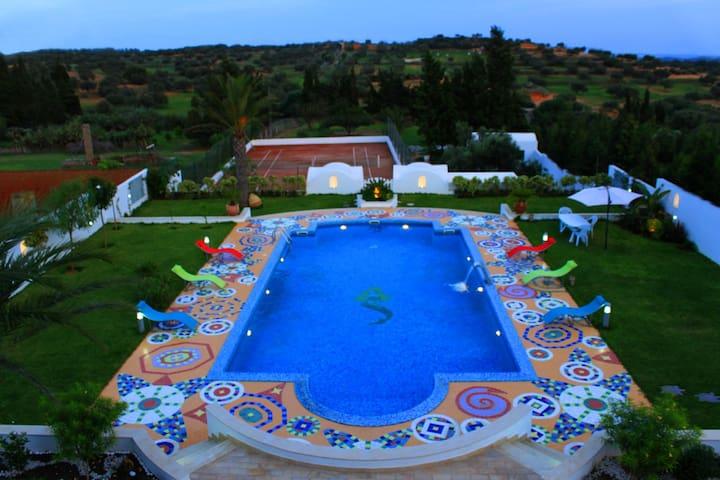 Demeure de Luxe Nabeul Hammamet Piscine Spa Tennis - Ghardeya - Huis