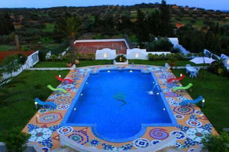 Demeure de Luxe Nabeul Hammamet Piscine Spa Tennis - Ghardeya