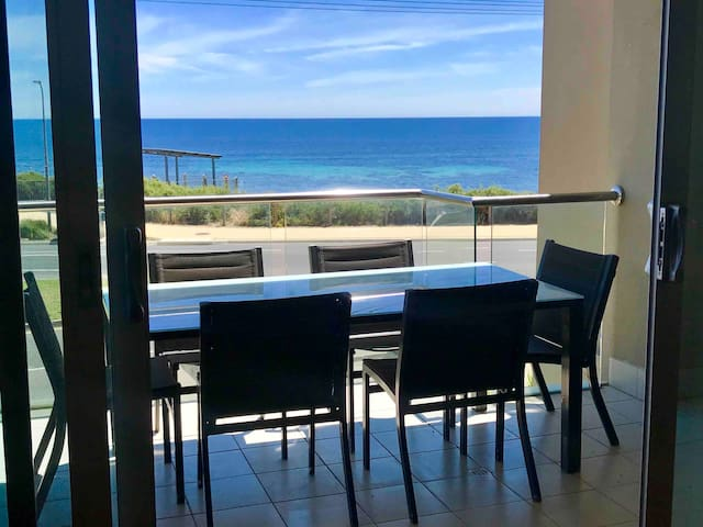 ⭐️Sun of a Beach⭐️ Esplanade 4BR Free WiFi Sleeps 10
