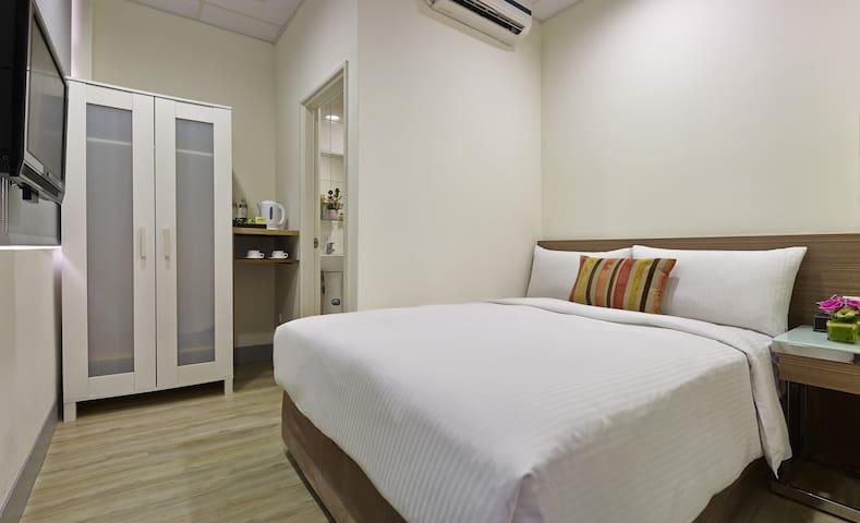 步行至士林夜市只要2分鐘-一大床雙人房Double bed