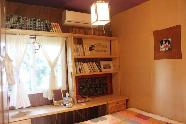 제주 중산간 가시리 조용한 이색숙소 개인실 설오름방