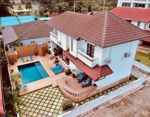 Villa Topia, Huay Yang (pool and beach)