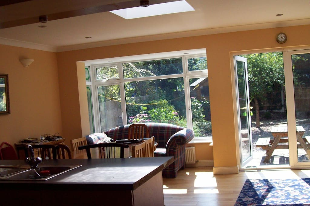Large Family room ideal for big groups