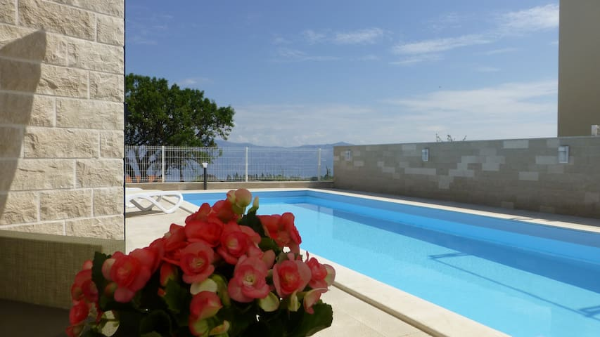 Two Villas Kristina in Brac for 16 people - Škrip