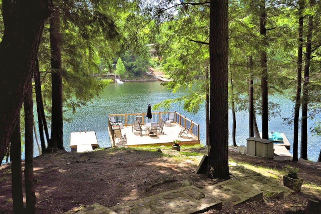 Fantastic South exposure (sun all day) with 2 docks both swallow and deep water entry plus a  20x20 sun deck