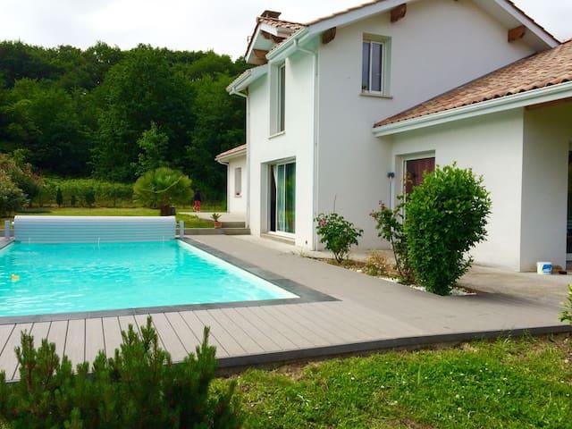 Maison calme piscine sud des Landes - Orthevielle - Villa
