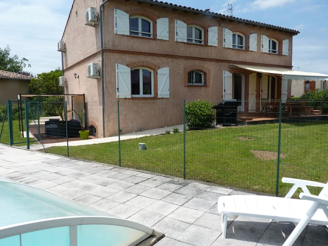 Maison toulousaine avec piscine houses for rent in for Piscine colomiers toulouse
