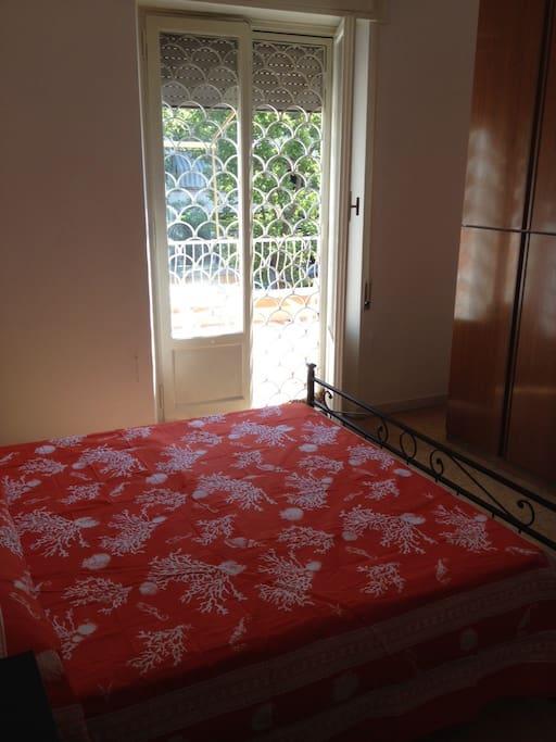 Camera Letto Matrimoniale - vista sul balcone