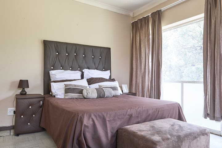 Entire appartment close to OR Tambo Airport - Kempton Park - Apartamento
