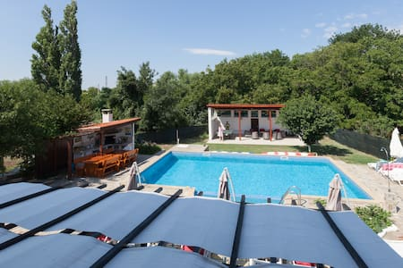 250 sqm Burgas View Large Pool BBQ & Sun Terraces