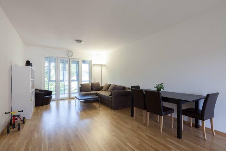 Furnished Apartment, Next to U-Bahn - Munich - Appartement