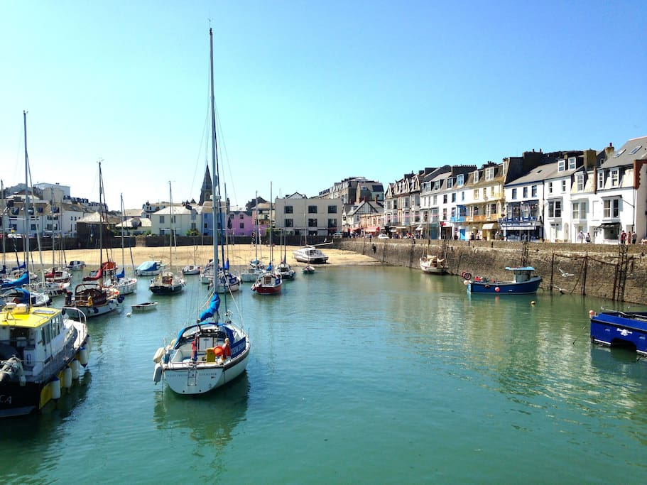 Ilfracombe's pretty harbour, just a 15 min walk.  Its surrounded by cafes, restaurants & galleries.