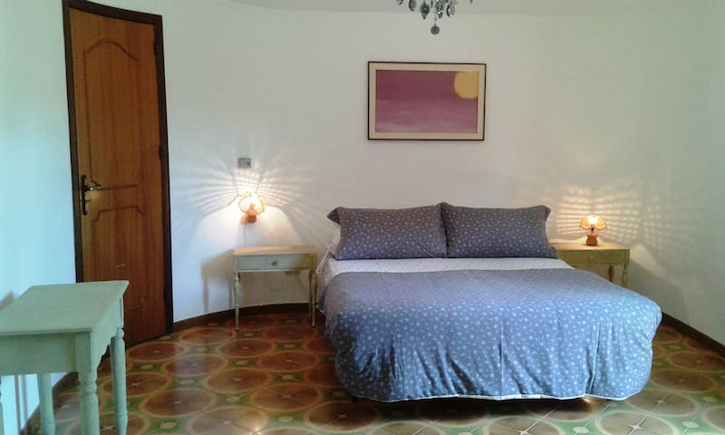 Room in a Small Village 4, Grotte, Agrigento - Grotte