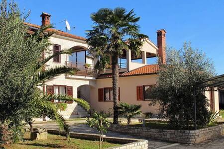 Villa San Zoane - Galižana - Casa