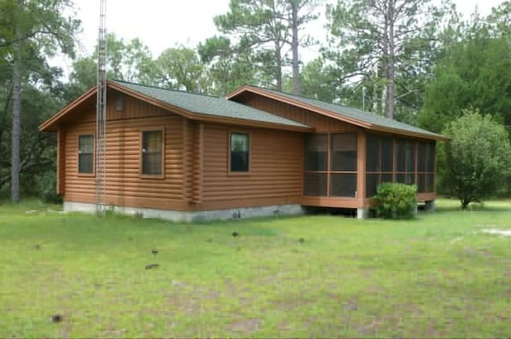 Beautiful Log Cabin - Dunnellon - Cabaña