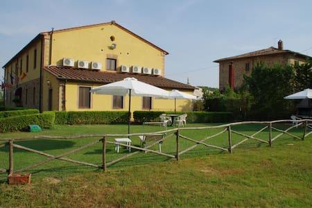 Noci Studio in Tuscany hills - Castelnuovo Berardenga