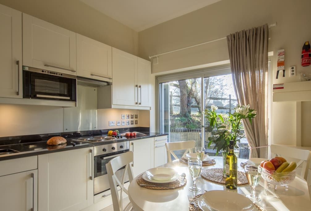 Ground floor: Fully fitted modern kitchen with dining area