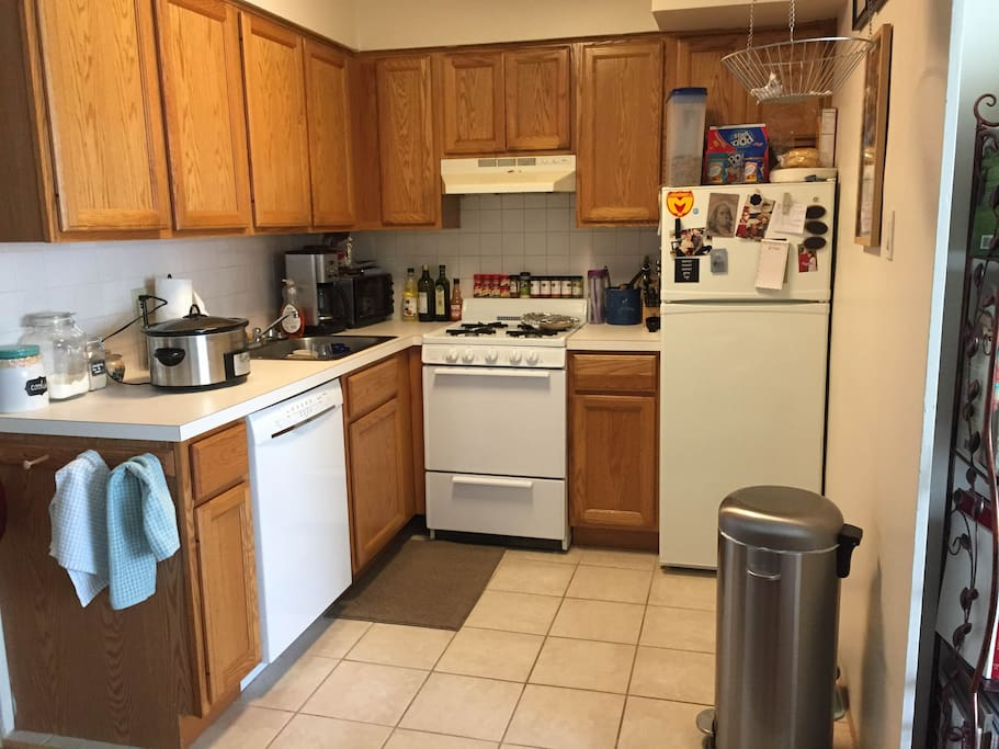Full kitchen available for your use!