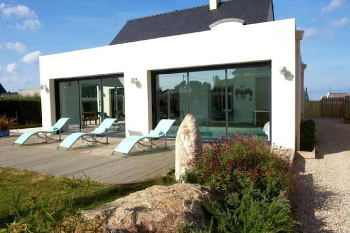 Villa di lusso con piscina interna a Plounéour-Trez