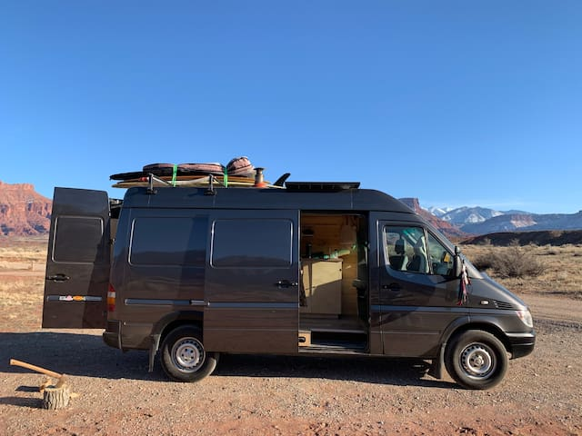 Van Life Campervan for City Glamping