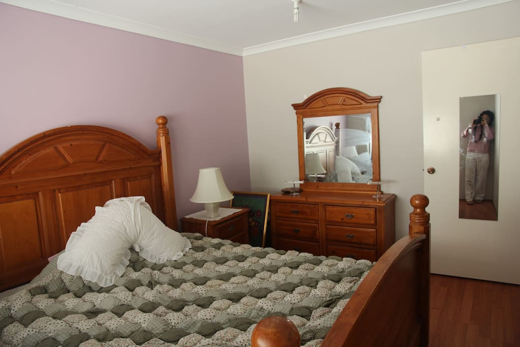 Huge queen size bed fully furnished