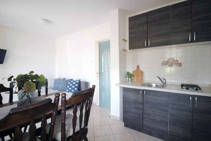 Spacious apt with a large balcony ☀ Free parking