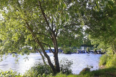 Maison en bord de Charente - Gondeville
