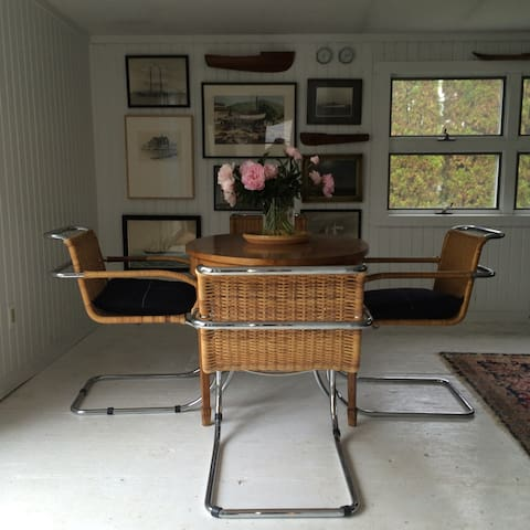 Stylish Bellport Village Cottage - Bellport - Rumah
