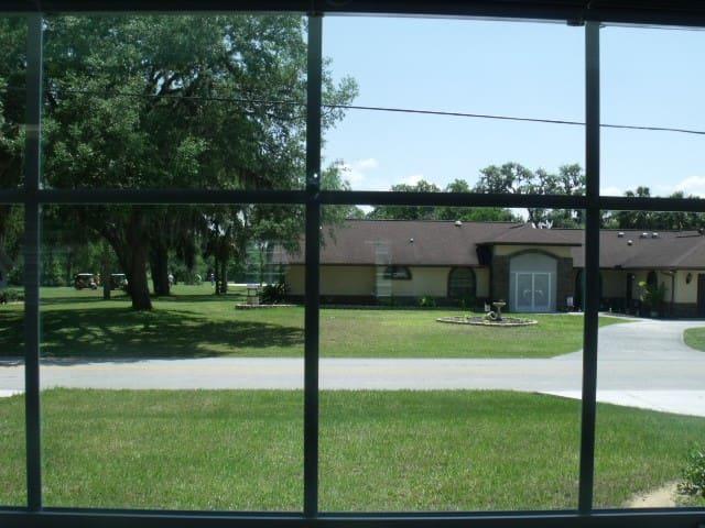 The view from the main bedroom. Nice neighborhood!