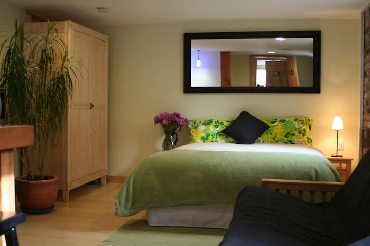 Cavell Suite Bed