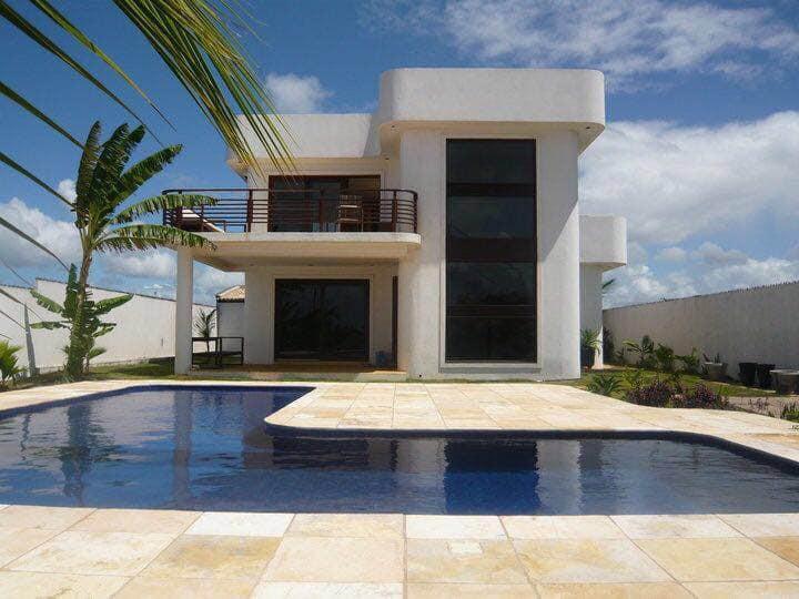 Villa Art Deco face a la mer avec piscine