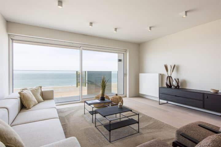 Splendid seaview apartment for 6 guests, Knokke