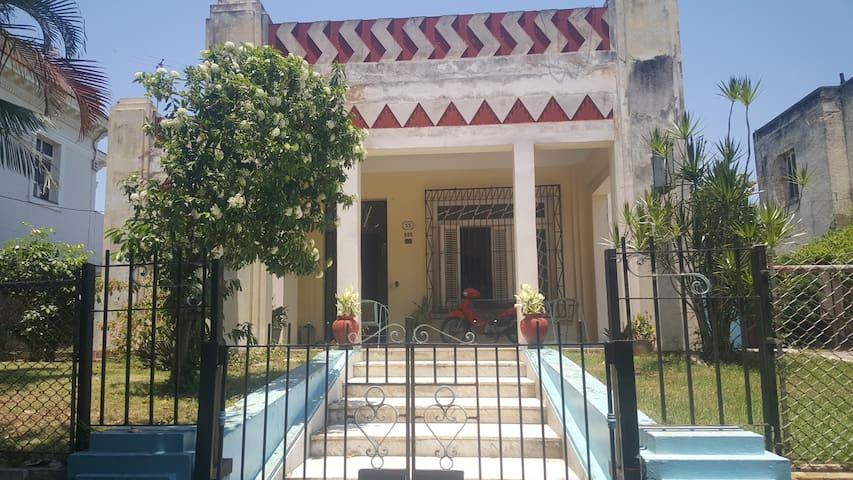 Residencia 22 no.505 Miramar R2